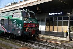 POP-ART /  Regionalzug von Domodossola nach Milano im Bahnhof Domodossola
