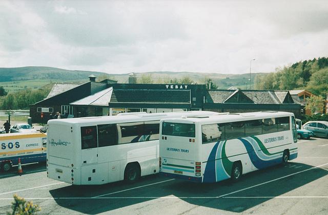 Rapson's DSU 707 and Ulsterbus ACZ 6692 at Tebay - 4 May 2004