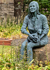 Lady Linda McCartney Statue