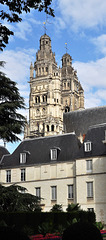 Cycling from Bordeaux Vineyards to the Atlantic Coast /Tours