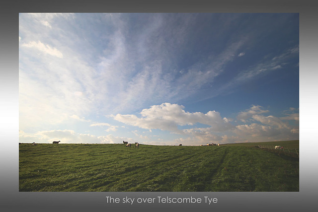 The sky over Telscombe Tye - East Sussex - 20.10.2015