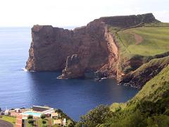 Beholding Entre-Morros Bay.