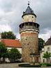 Wiesenburg, Schlosshof mit Brunnen und Bergfried