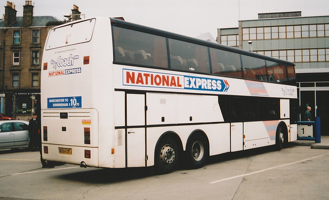 Trathens R264 OFJ at Dundee - 27 Mar 2001