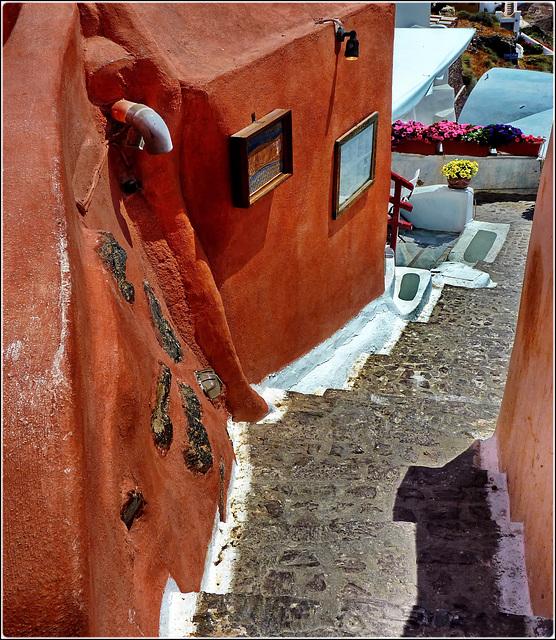 Santorini : Una stradina a scale di Oia - 987 -