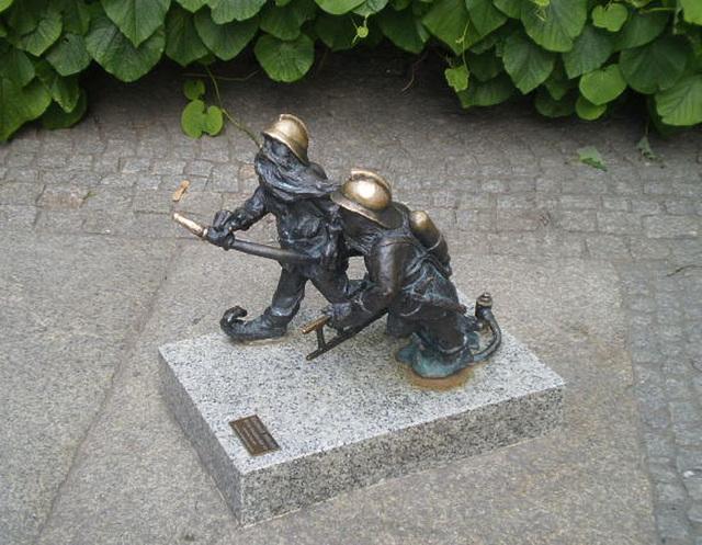 Bronze dwarfs - firemen.