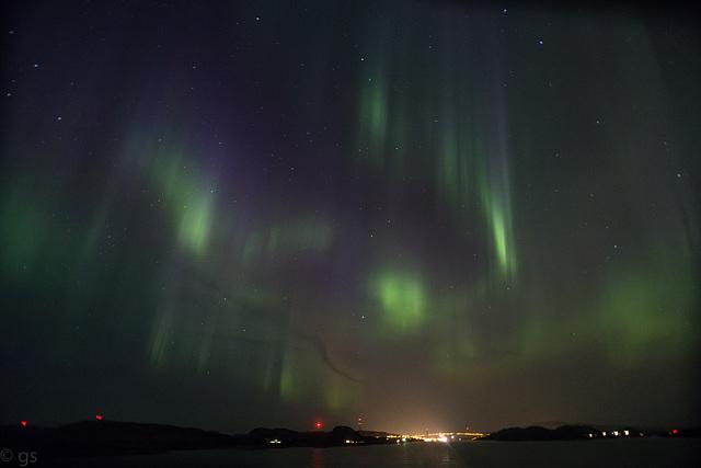 Aurora over Nærøysund bridge (PiP)