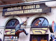 HU - Budapest - Board 'em!