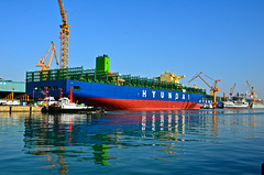 New build container ship HYUNDAI JUPITER in DSME