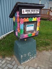 Book share box
