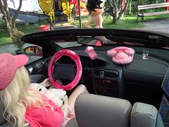 0 (1312)..tuning car with dolls