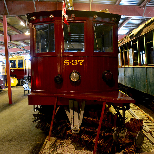 Canada 2016 – Halton County Radial Railway – TTC S-37 Snow Sweeper