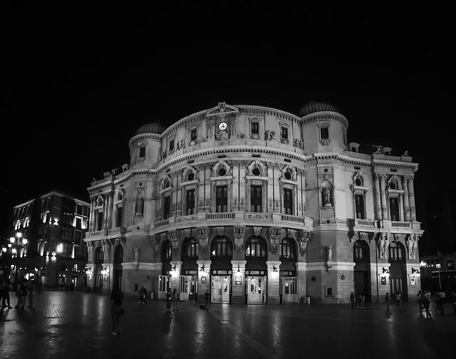 Fachada principal del Teatro Arriaga de Bilbao