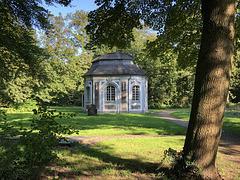 DE - Brühl - Muschelkapelle an Schloss Falkenlust