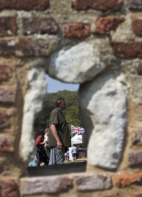 A travers le mur - Through the Wall