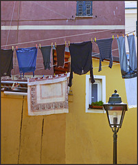 Boccadasse : panni stesi nel borgo marinaro - (881)