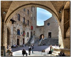 Memories of Tuscany:  Piazza Duomo Archways