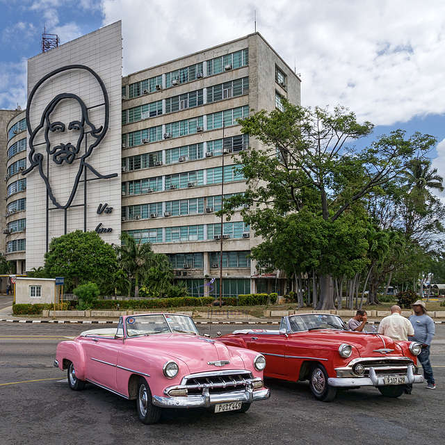 Cienfuegos and his cars