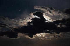 Himmel 41/50 : Wolken vor Mond