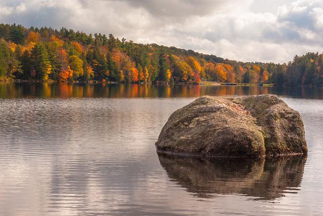 Hammond Pond fall colors