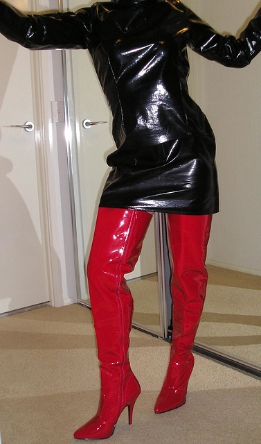Jan / Red thighboots & PVC outfit