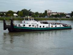 Schubschiff und Schlepper VOGEL GRYFF im Rheinhafen Basel