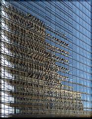 Kollhoff-Tower im Spiegelbild (2xPiP)