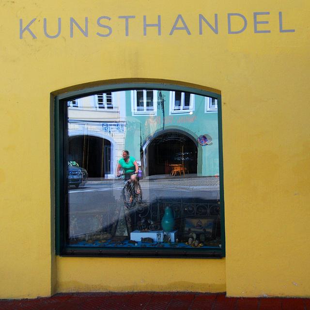 Radfahrerin im Kunsthandel
