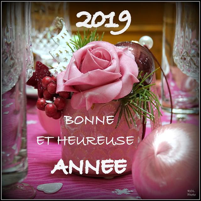 Que la santé et la joie de vivre, vous accompagnent, tout au long de l'année nouvelle.