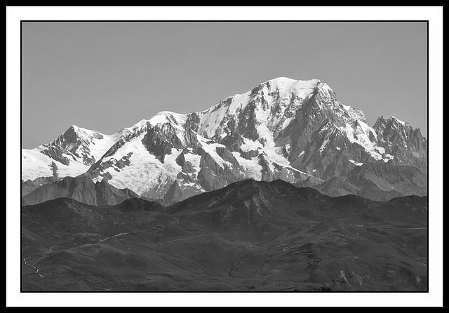 Le mont est blanc