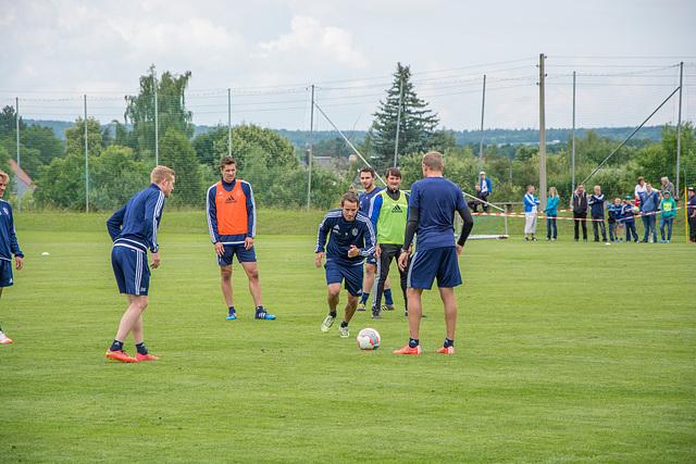 Kleines Trainingsspiel, Anton Fink nimmt Anlauf