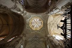 Lanterne étoilée de la croisée du transept.
