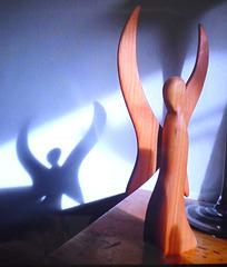 Engel aus Holz und Schatten - anĝelo de ligno kaj ombro