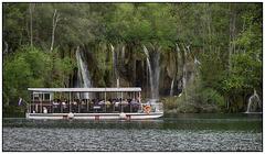 Electric boat, lake Kozjak