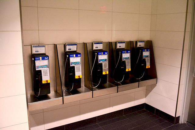 Canada 2016 – Toronto – Telephones waiting for work