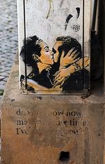 Le baiser - Pochoir street art