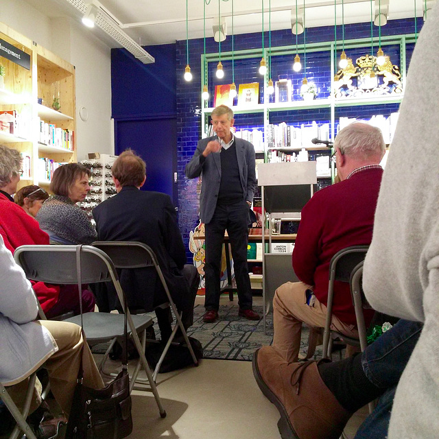 Talk by professor Fik Meijer at bookshop Kooyker