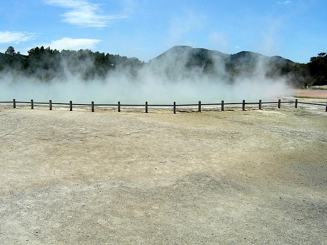 Wai-O-Tapu - hot Champagne Pool