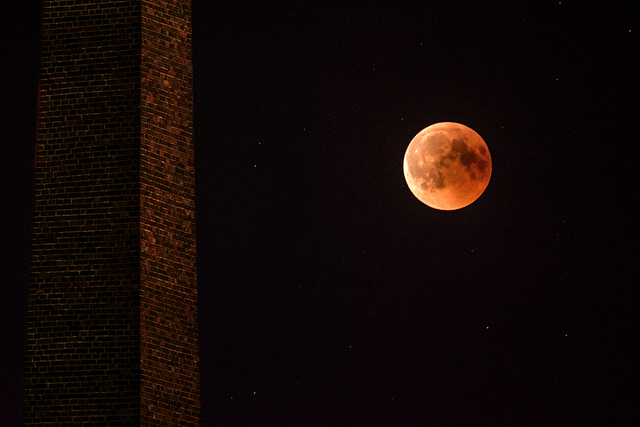 Nachtdienst und fotografieren geht leider nicht. Nur ein paar Minuten zum fotografieren gehabt ohne Stativ der Fokus sitzt in den Sternen bei ISO ist noch oben was offen