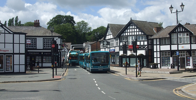 DSCF7665 Arriva 2613 (CX56 CEK) and 2620 (CX07 COJ) in Northwich - 15 June 2017