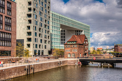 Old and New - In Hamburg's Hafencity (060°)