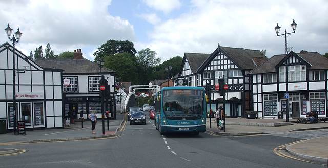 DSCF7644 Arriva 2612 (CX56 CEJ) in Northwich - 15 June 2017