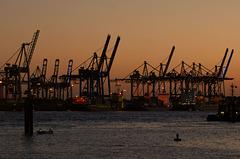 Abends im Hamburger Hafen