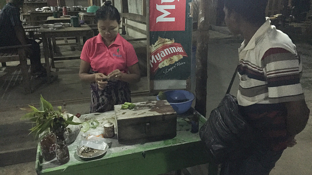 Roadside paan seller