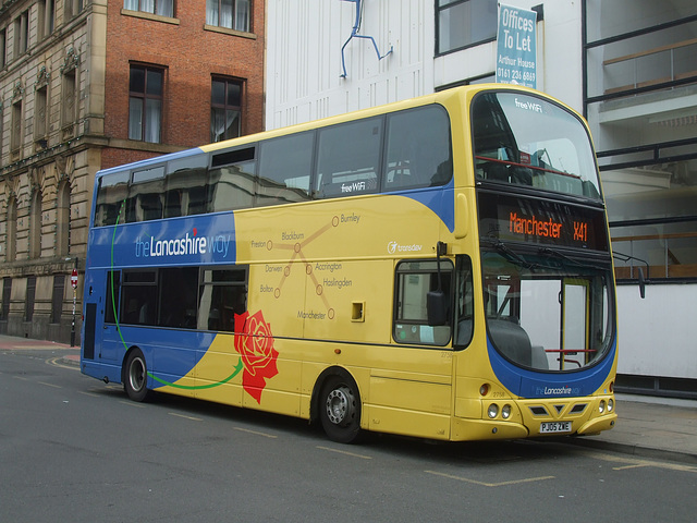 DSCF0631 Lancashire United (Transdev) PJ05 ZWE