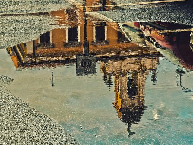 Dopo la pioggia: il Municipio