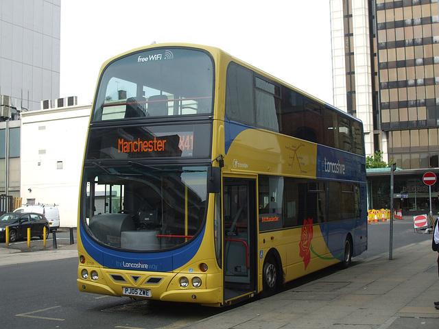 DSCF0633 Lancashire United (Transdev) PJ05 ZWE