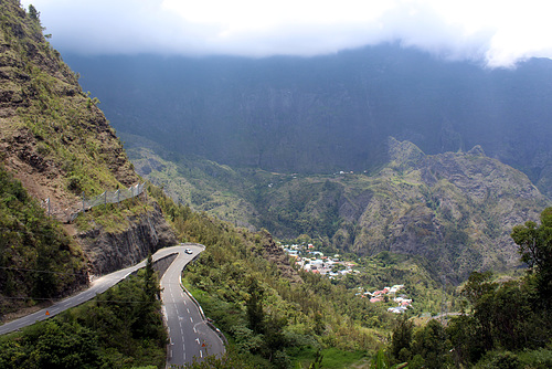 Road to Cirque de Cilaos