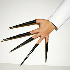 Christiane's dream :Ongles menacants /  Threatening nails