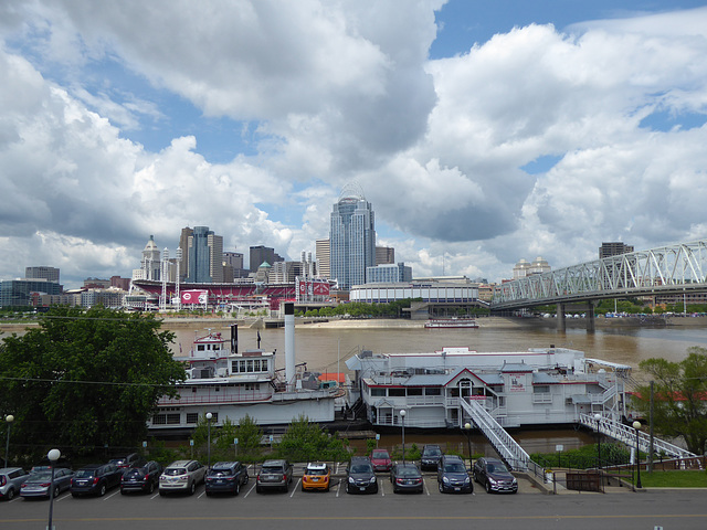 View of Cincinnati skyline from Kentucky